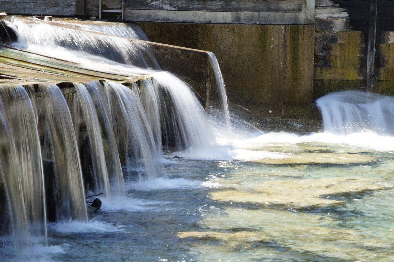 Sieci wodociągowe oraz kanalizacyjne- w jaki sposób się je wykonuje?